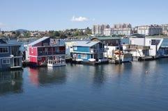 Casas coloridas em Victoria, Canad? do flutuador fotografia de stock