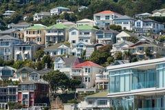 Casas coloridas em Wellington foto de stock