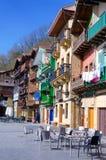 Casas coloridas en Donibane, España foto de archivo