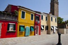 Casas coloridas en la isla de Burano Foto de archivo