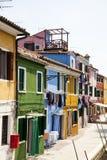 Casas coloridas en la isla de Burano Imagenes de archivo