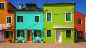 Casas coloridas en la isla de Burano cerca de Venecia, Italia foto de archivo libre de regalías