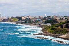 Casas coloridas a lo largo de la costa de Puerto Rico Fotografía de archivo libre de regalías