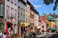 Casas coloridas na rua St Louis, Quebec City fotografia de stock royalty free