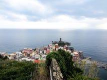 Casas coloridas no litoral italiano. Fotos de Stock