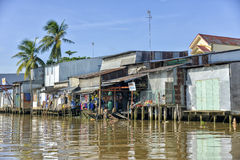 Casas coloridas no Mekong River Imagem de Stock Royalty Free