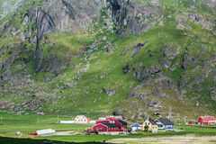 Casas coloridas norueguesas tradicionais, ilhas de Lofoten, Noruega Foto de Stock Royalty Free