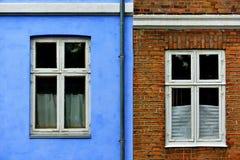 Casas coloridas típicas en Dinamarca, imagenes de archivo
