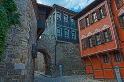 Casas coloridas tradicionais velhas em Plovdiv, Bulgária Imagens de Stock