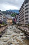 Casas con el río Fotos de archivo