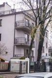 Casas construídas nos anos 20 e nos anos 30 do século XX na cidade Varsóvia, Polônia Imagens de Stock Royalty Free