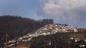 Casas da cidade do monte de Ooty Fotos de Stock Royalty Free