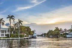 Casas da margem de Luxory no Fort Lauderdale Foto de Stock Royalty Free