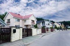 Casas da vizinhança Fotos de Stock Royalty Free