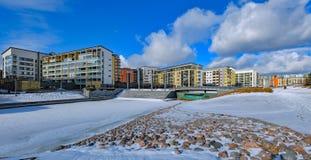 Casas de apartamento modernas em Vuosaari, Helsínquia imagens de stock royalty free