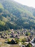 Casas de azotea cubierta con paja en Japón Imagenes de archivo