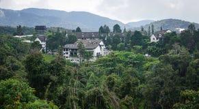 Casas de campo da montanha em Cameron Highlands fotografia de stock