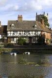 Casas de campo do beira-rio, Tewkesbury, Gloucestershire, Reino Unido Imagens de Stock