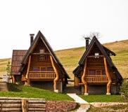 Casas de campo de madeira, projeto tradicional, mt Zlatibor Foto de Stock