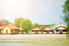 Casas de campo de madera hermosas fotografía de archivo libre de regalías