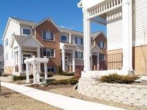 Casas de cidade novas Imagens de Stock Royalty Free