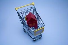 Casas de compra imágenes de archivo libres de regalías