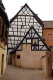 Casas de entramado de madera coloreadas fotografía de archivo libre de regalías