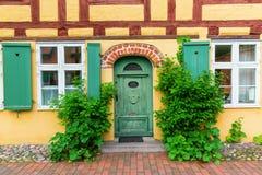 Casas de entramado de madera en el Johanniskloster en Stralsund, Alemania Foto de archivo