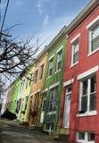 Casas de fila coloridas Fotografía de archivo libre de regalías