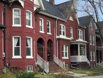 Casas de fila del estilo del Victorian Imagenes de archivo