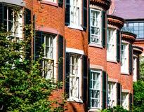 Casas de fila del ladrillo rojo en Boston Imagen de archivo