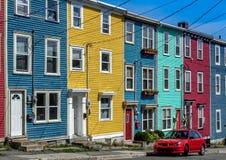 Casas de fileira coloridas fotografia de stock