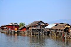 Casas no lago Inle, Myanmar Burma Fotos de Stock
