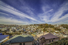 Casas de la colina del ` s de Japón imagen de archivo