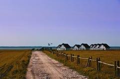Casas de la orilla del lago Imágenes de archivo libres de regalías