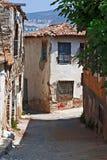 Casas de la reducción en pueblo turco Fotos de archivo libres de regalías