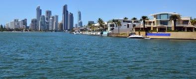 Casas de Laxury en la isla Gold Coast Australia de Macintosh Foto de archivo libre de regalías