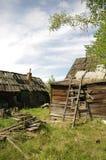 Casas de madeira arruinadas fotografia de stock royalty free