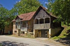 Casas de madeira históricas tradicionais - adega de vinho fotografia de stock royalty free
