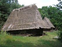 Casas de madeira ucranianas tradicionais Fotografia de Stock Royalty Free
