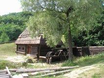 Casas de madeira ucranianas tradicionais Imagem de Stock Royalty Free