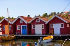 Casas de madeira vermelhas na Suécia Imagens de Stock Royalty Free