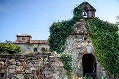 Casas de piedra en las montañas Foto de archivo libre de regalías