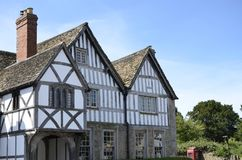 Casas de piedra victorianas viejas del pueblo de Lacock fotos de archivo libres de regalías