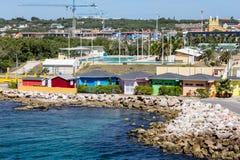 Casas de planta baja coloridas en Curaçao Imagen de archivo