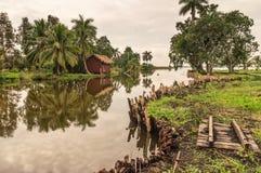 Casas de planta baja del agua de la huésped, pueblo indio de Guam, Cuba Imágenes de archivo libres de regalías