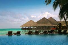 Casas de planta baja del agua de Maldives imagen de archivo libre de regalías