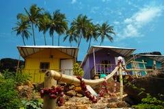 Casas de planta baja en el Cabo de Rama Beach, Goa Fotos de archivo