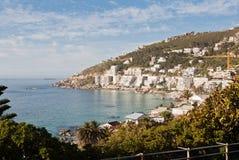 Casas de playa en la bahía Suráfrica de los campos Imágenes de archivo libres de regalías