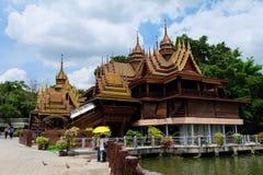 Casas de Tailandia en templo Fotografía de archivo libre de regalías